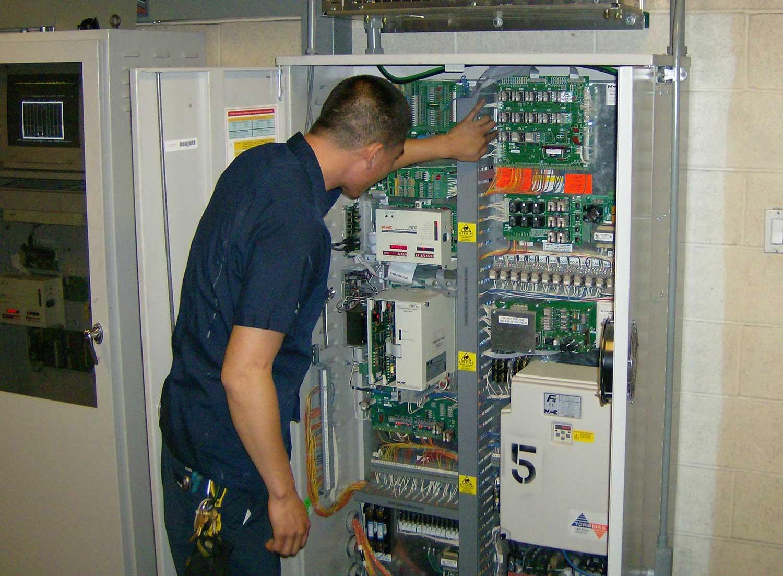 تصویر از آموزش تعمیرات آسانسور
